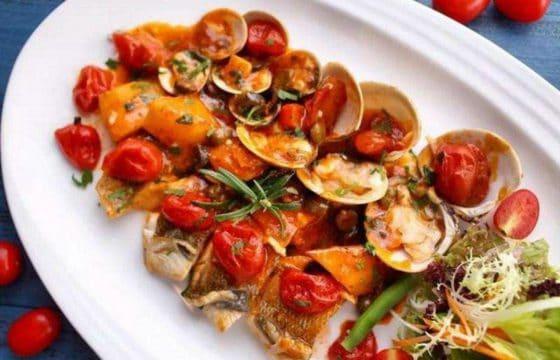 橄榄油食谱:番茄烩蛤蜊