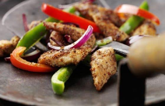 家常菜谱:洋葱炒鸡片