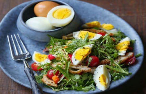 健身减脂食谱:鸡蛋沙拉与鸡肉沙拉
