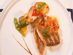 橄榄油煎海鲈鱼