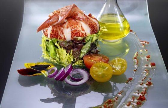 沙拉食谱:龙虾配藏红花沙拉