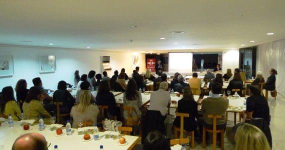 """""""西班牙橄榄油:文化、科学和美食""""(2012)文化研讨会。"""